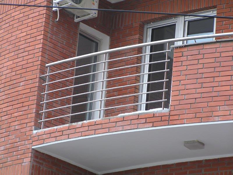 Grate per balconi for Grate in legno per balconi